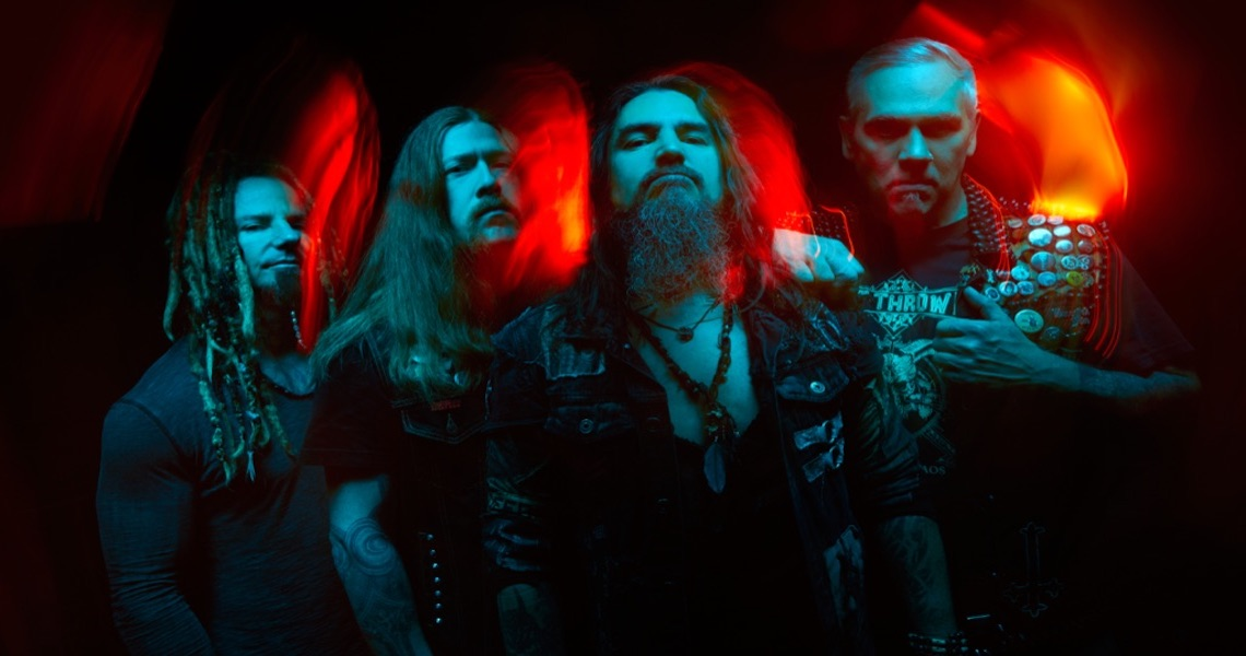 "Machine Head performen ""Davidian"""