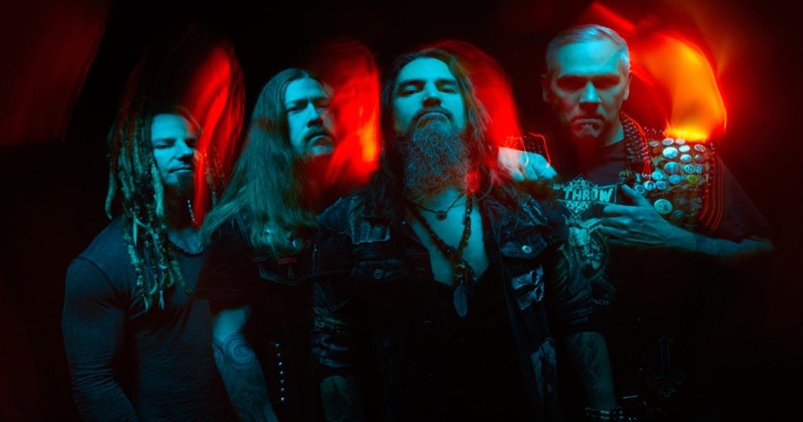 "Machine Head performen ""Davidian"""